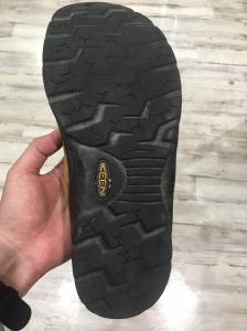 keen 靴 修理